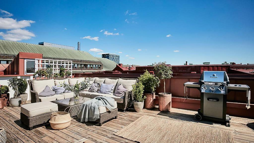 Suelos de madera para tu terraza o porche for Suelos para terrazas y jardines